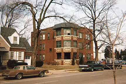 Valparaiso apartment building, Valparaiso Indiana